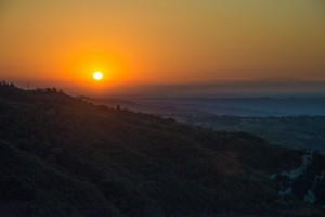Sonnenuntergang über der azienda agricola vigna rutz